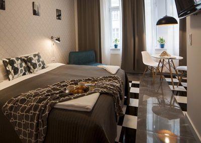 Apartamenty Targowe Chełmonskiego 20 Poznan - Very Berry Apartments (13)