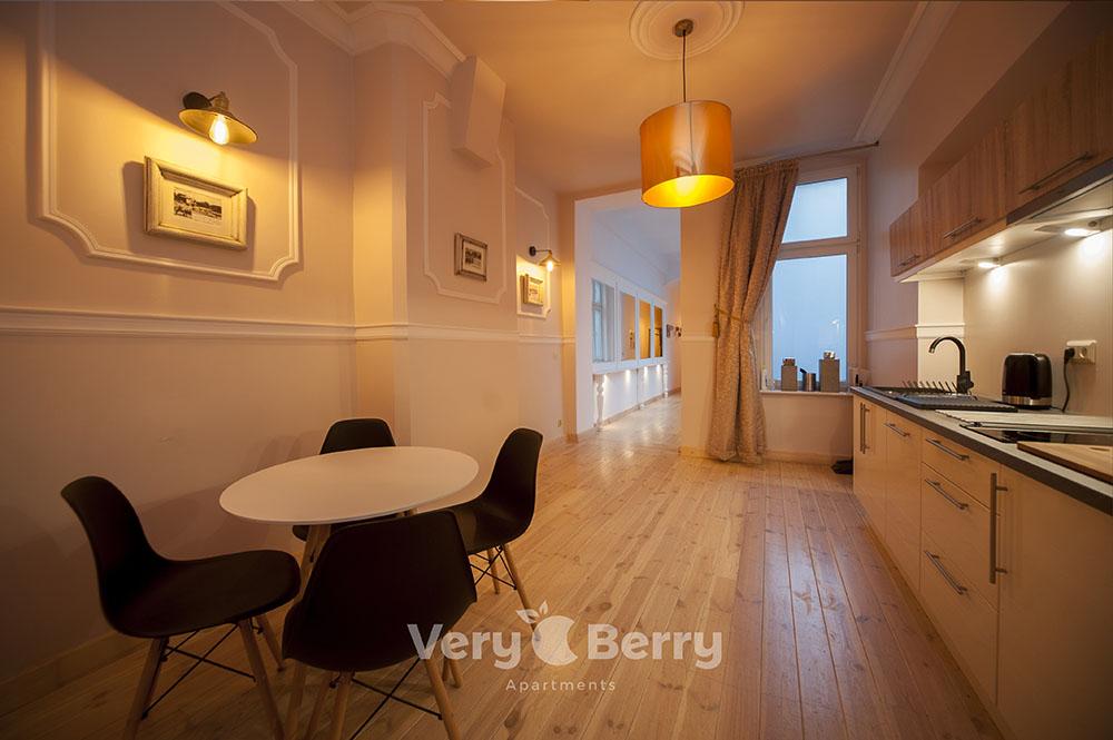 Apartament na Starym Rynku w Poznaniu - Very Berry Apartments (13)