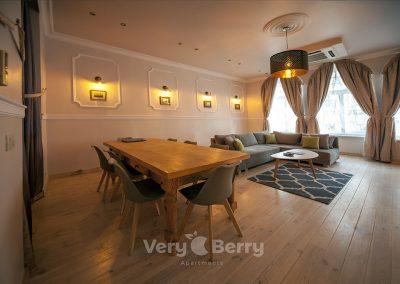 Apartament na Starym Rynku w Poznaniu - Very Berry Apartments (7)