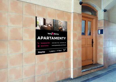 Apartamenty Poznan Glogowska blisko targow Very berry (6)