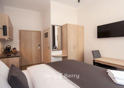 Apartamenty przy Targach w Popznaniu Glogowska 39 - Very Berry (9)