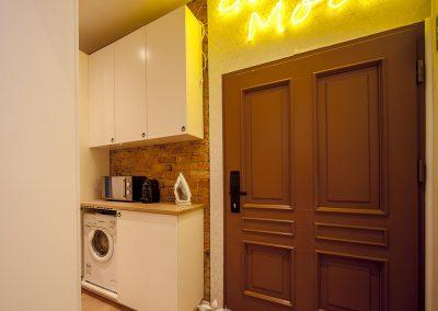 Apartamenty Głogowska 35a_3 blisko Tragów MTP - korytarz wspólny dla 7 apartamentów (3)
